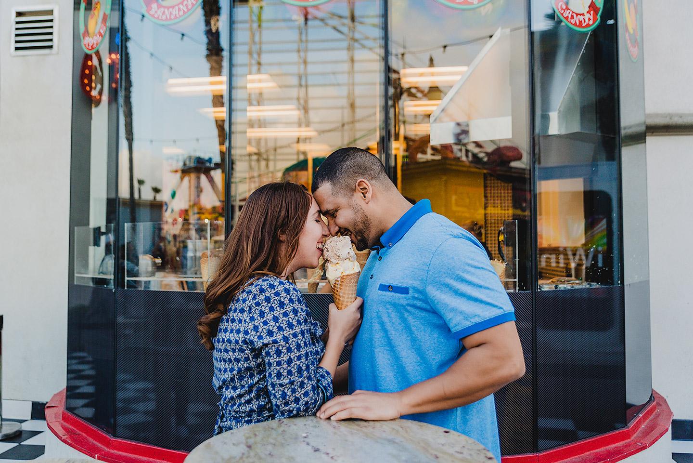 couple-sharing-ice-cream-belmont-park-in-san-diego