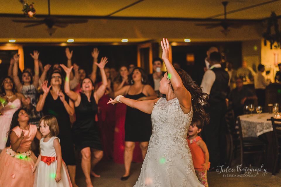 bouquet toss oak mountain winery wedding temecula ca