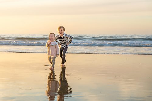 kids-playing-beach-la-jolla-shores-san-diego-photographer