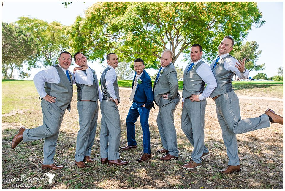 groomsmen-group-shot-having-fun