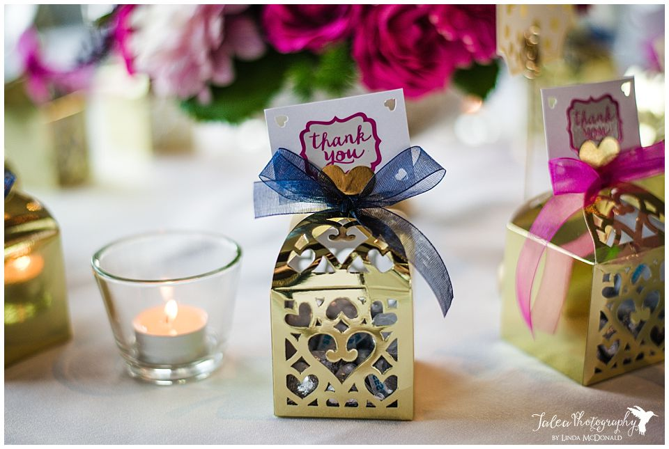 party-favor-wedding-reception-table-setting