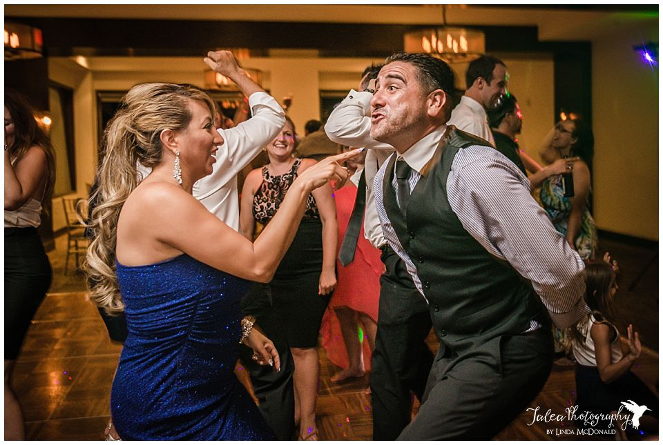 wedding-guest-dancing-at-reception