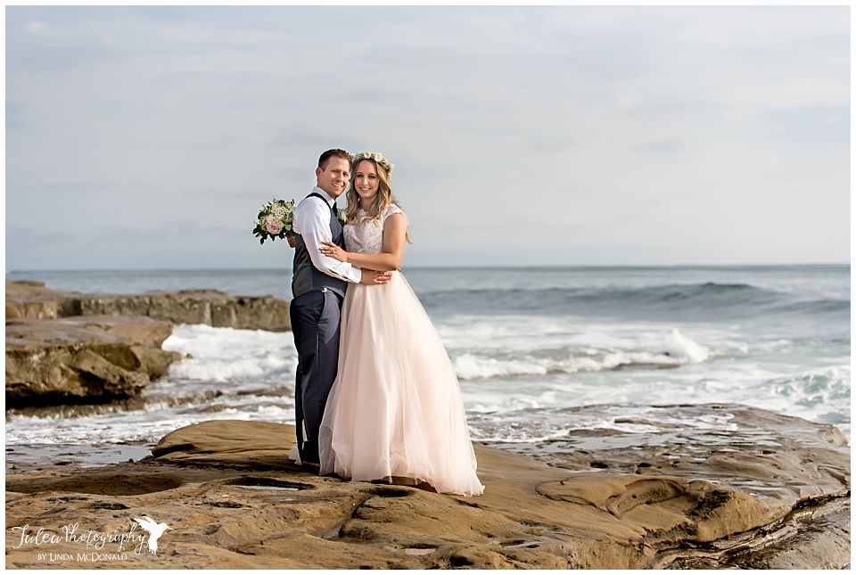cuvier park la jolla wedding couple posing on beach