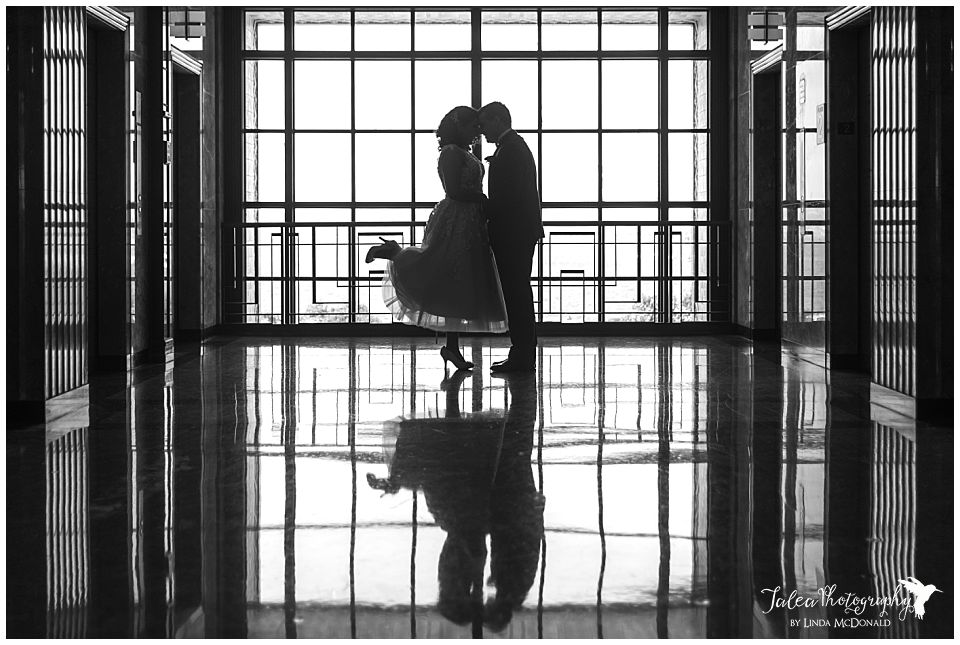 silhouette-bride-groom-san-diego-courthouse-wedding