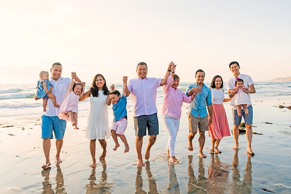 extended family lifestyle photography san diego beach