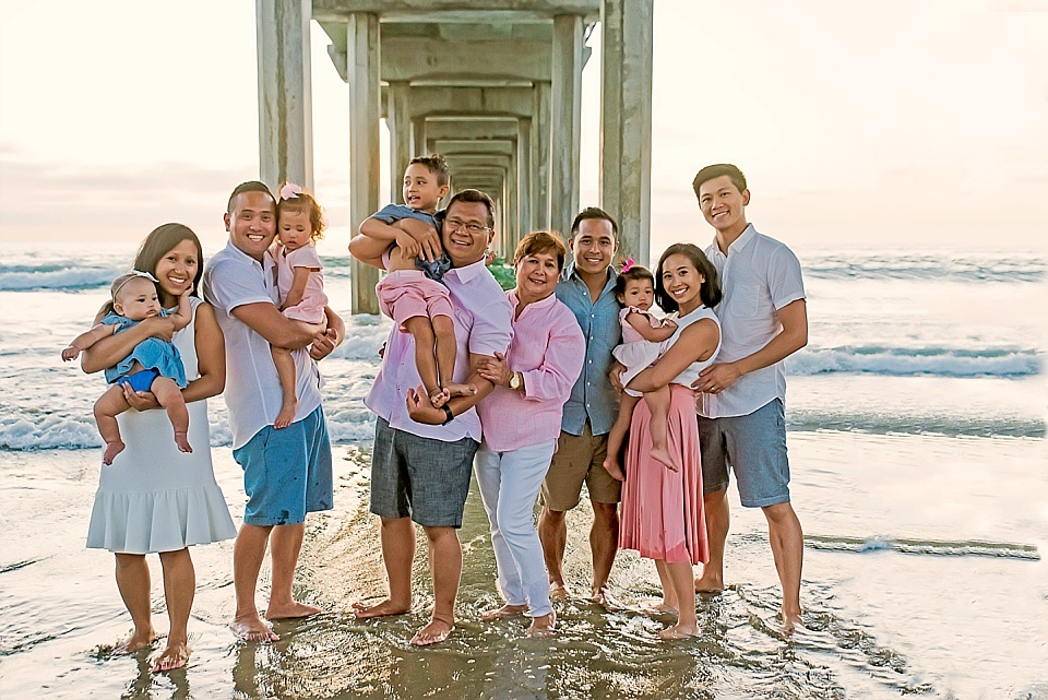 Extended Family Lifestyle Beach Photo at Scripps Pier La Jolla