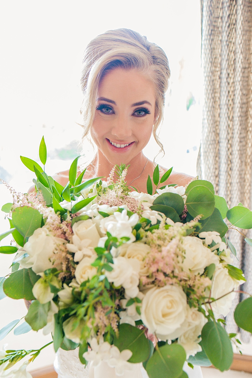 bride with her bouquet la jolla wedding venues