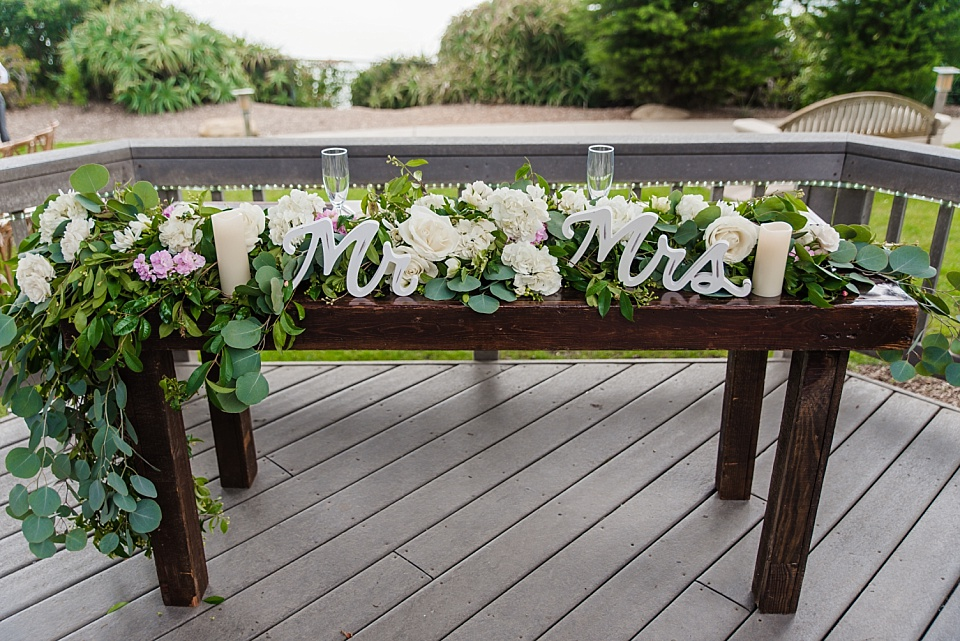sweetheart table rustic wedding decor ideas