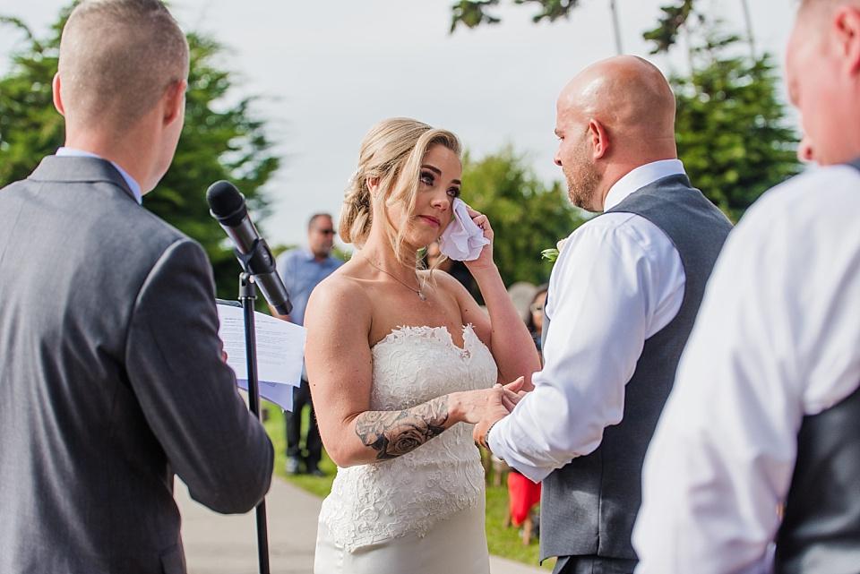 candid wedding moments la jolla wedding